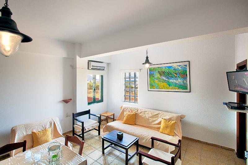 Maisonette 2BDR, Sea Views, Falasarna & Balos, holiday rental in Kaliviani