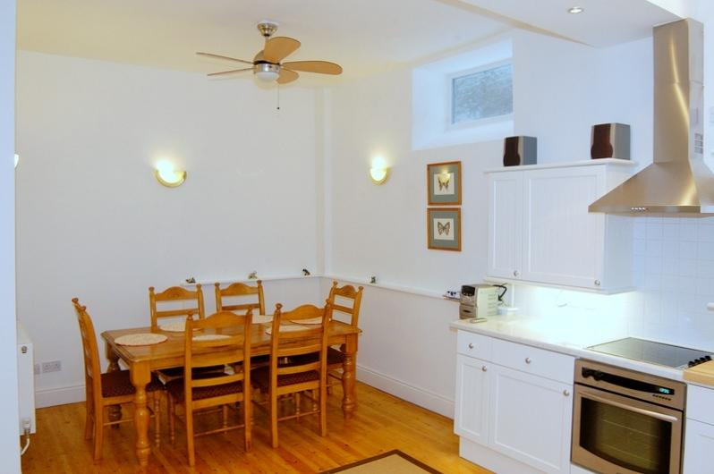 Spacious and light kitchen and dining area
