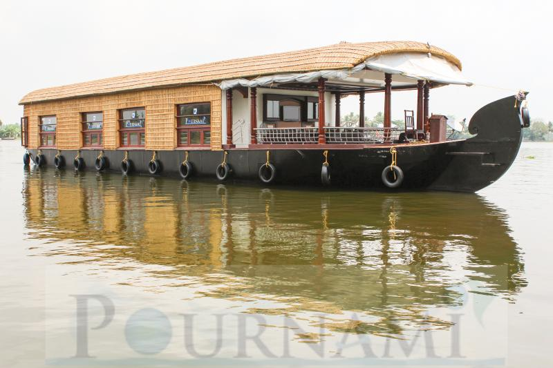 Full Exterior View of Pournamis' 4 Bedroom Luxury Houseboat