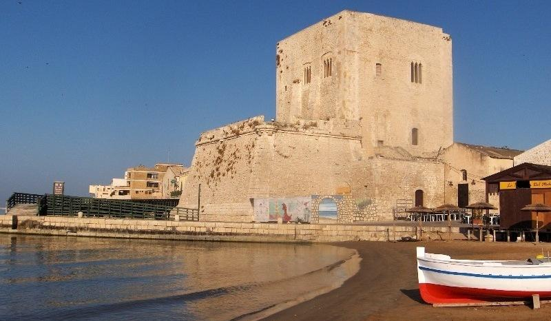 CASA MARTA - RENTAL APT IN BAROQUE SICILY, holiday rental in Pozzallo