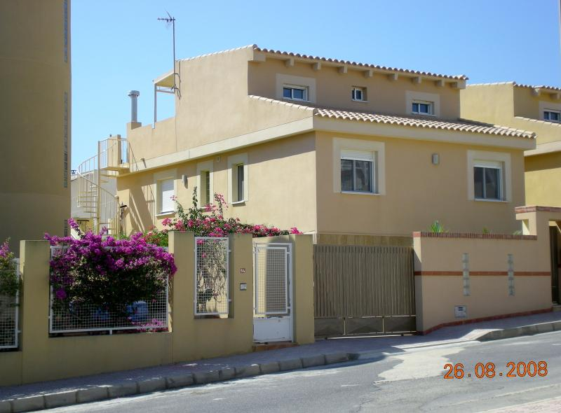VILLA  WITH ACCOMMODATION ON UPPER TWO LEVELS