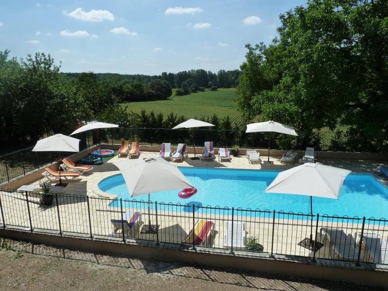 Les Rivieres Gites- Valette +heated pool, holiday rental in Mareuil