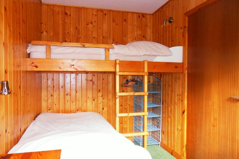Bett-Schlafzimmer