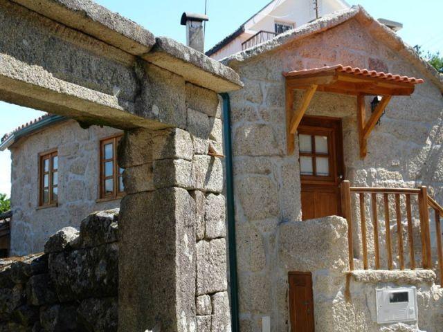 Casa Rural em Pedra para 2 pessoas Gerês, vacation rental in Muinos