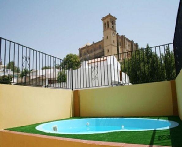 Ideal para grupos de 11 personas en Osuna, holiday rental in Marchena
