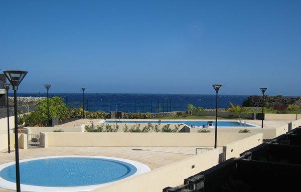 Primera línea de playa, piscina de adultos y piscina infantil profunda del niño
