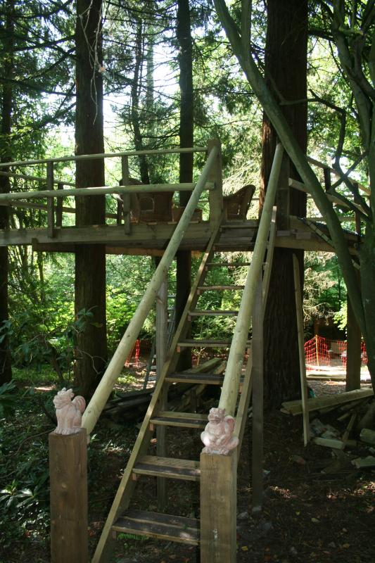 A great place for children to play with the stairs or scramble net as a way up or down