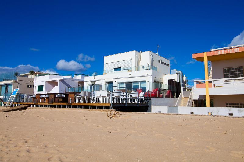 12 avis et 17 photos pour beach apart 3km from airport tripadvisor faro location de vacances. Black Bedroom Furniture Sets. Home Design Ideas