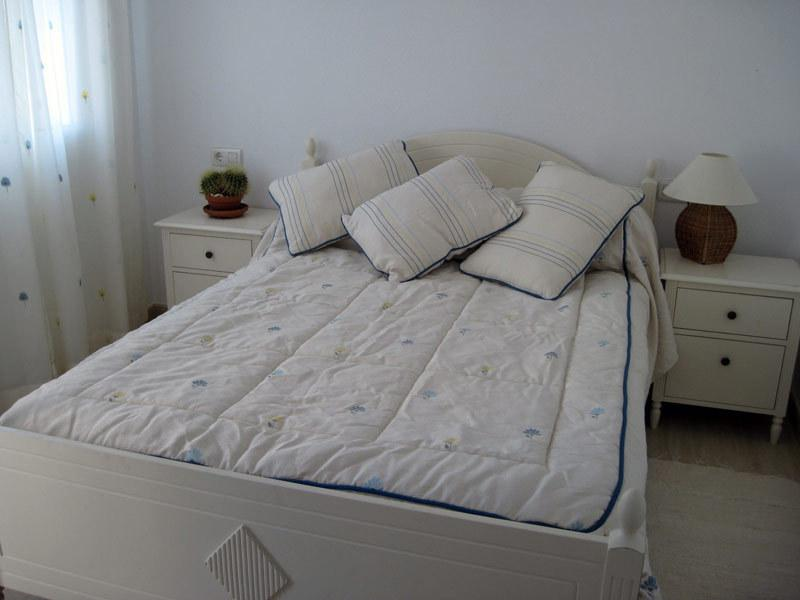 Bedroom 1 (First floor) with airconditioning, double bed and wardrobe