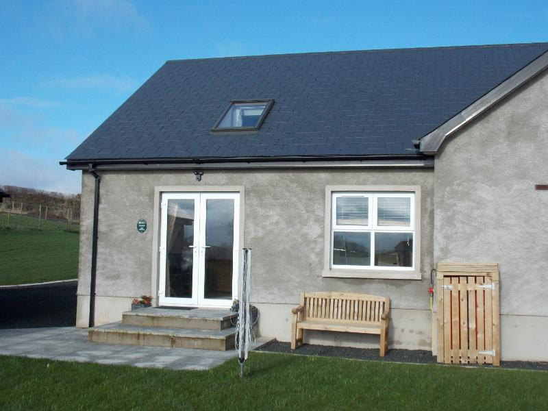 Meadow Cottage provides a place to relax but close to all major towns and attractions.