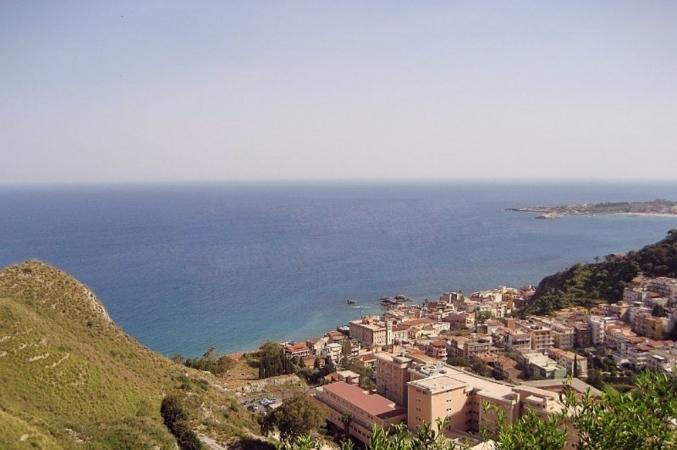 Taormina, the sea