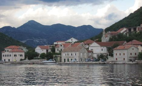LEPETANE town nearby