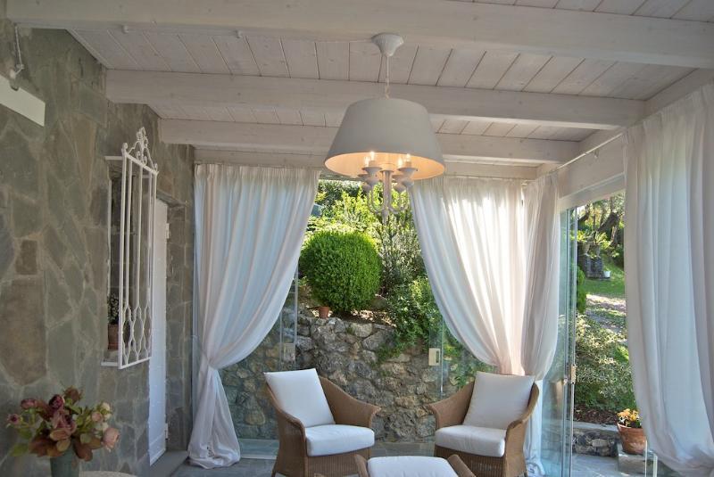 particolare del soggiorno in veranda