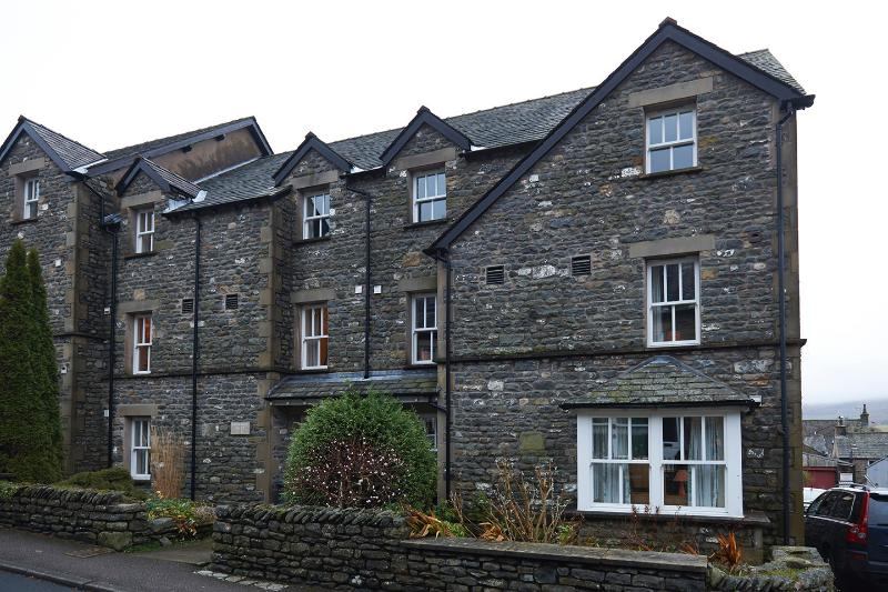 Howgills_House_Luxury_Group_Holiday_Apartments_Sedbergh_Cumbria_Free_Parking