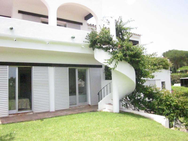 preciosa casa adosada nr puerto Banús.