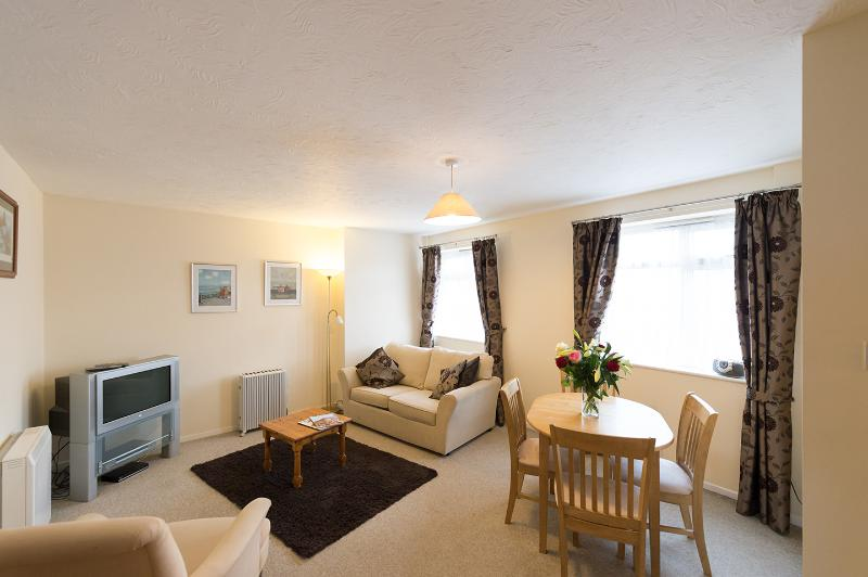 Marine View, holiday rental in Highcliffe