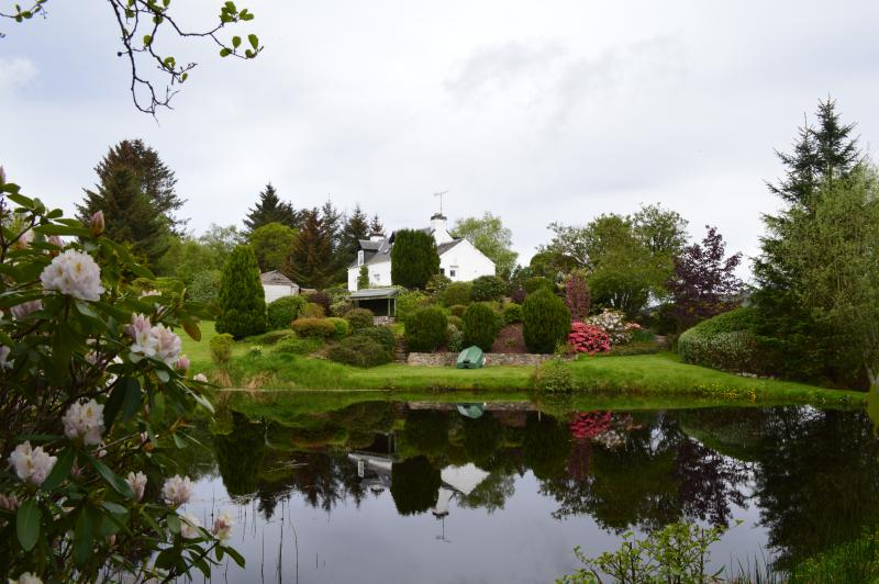 Balnain Cottage-Private Lochan, holiday rental in Ross and Cromarty