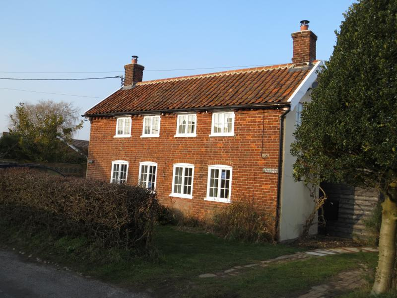 Minsmere Cottage -front view