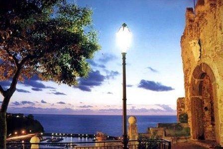 foto turistica borgo antico