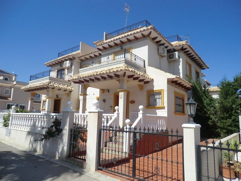 CABO ROIG 3 BED QUAD HOUSE (F1), vacation rental in Orihuela Costa