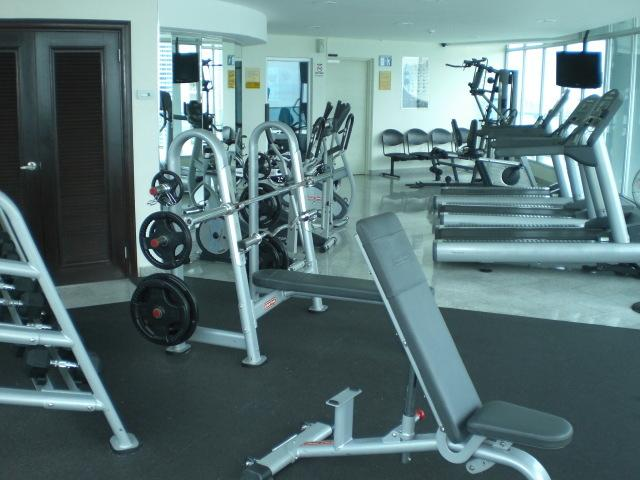Amazing Gym, Sauna, Pool Deck, Bar, Computer Business Center, Showers
