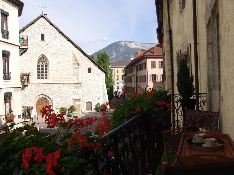 Balcon du Grenette 4* vue sur Eglise Saint Maurice et Hôtel de ville