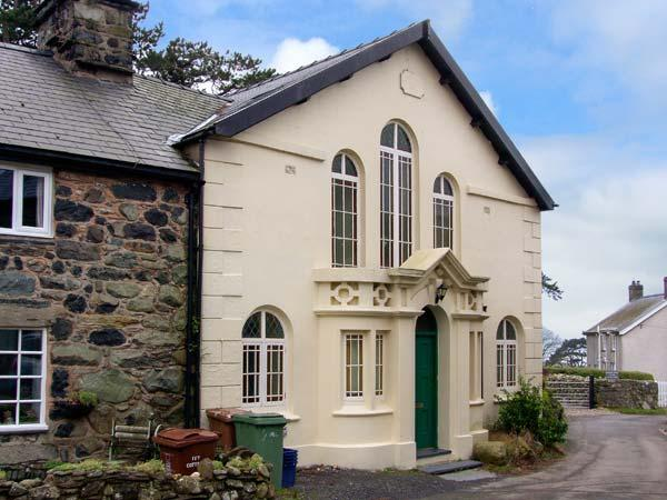 CAPEL CADER IDRIS, character chapel conversion, original features, close to, vacation rental in Llwyngwril