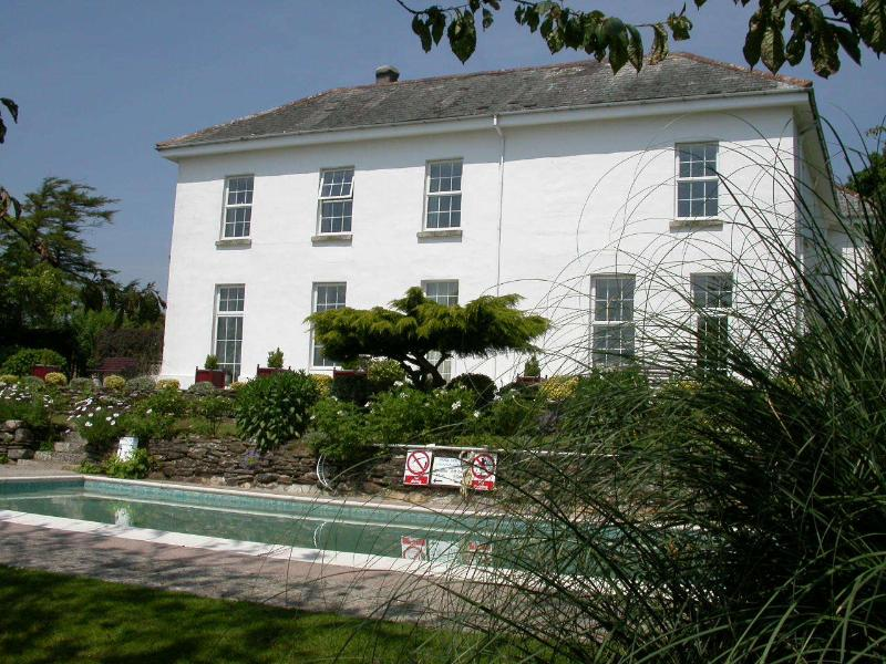 Daymer - The Old Rectory, holiday rental in Two Waters Foot