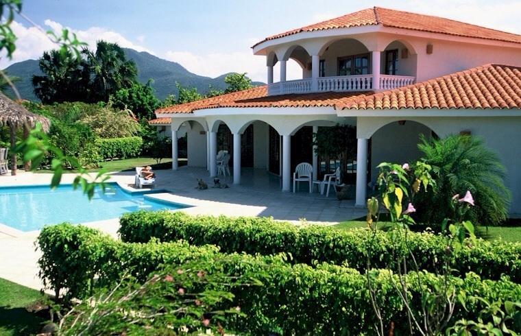Villa 3bedroom con piscina privada y jardín