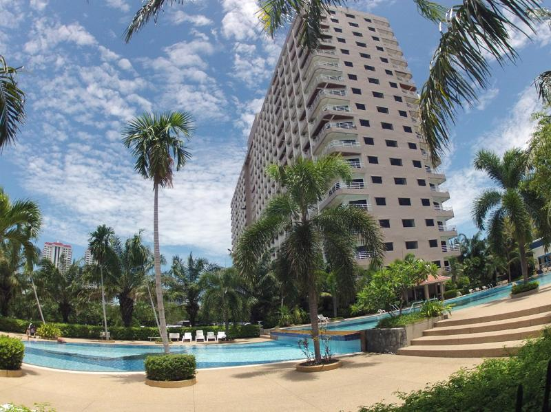 View Talay 2A Pool et Building