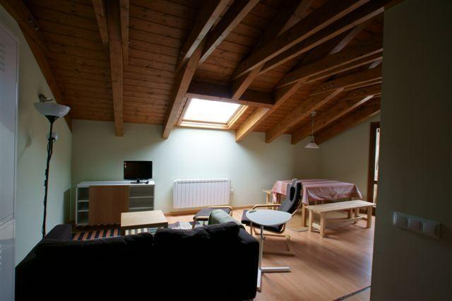 Buhardilla 4 pers 2 dormit Castejon d Sos Benasque, vacation rental in Huesca