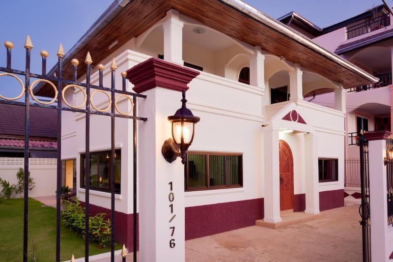 5 Bedroom Deluxe Villa with garden.