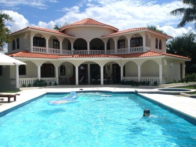 4bedroom villa de estilo español