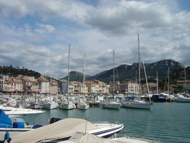 Le Port de Cassis à 30km d'Agarrus