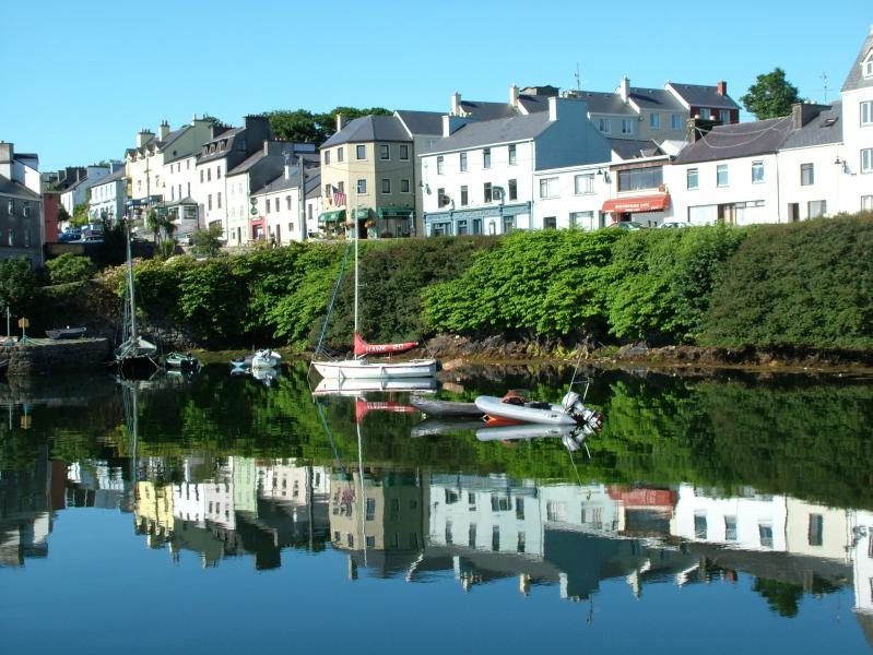 Beautiful views over Roundstone Harbour