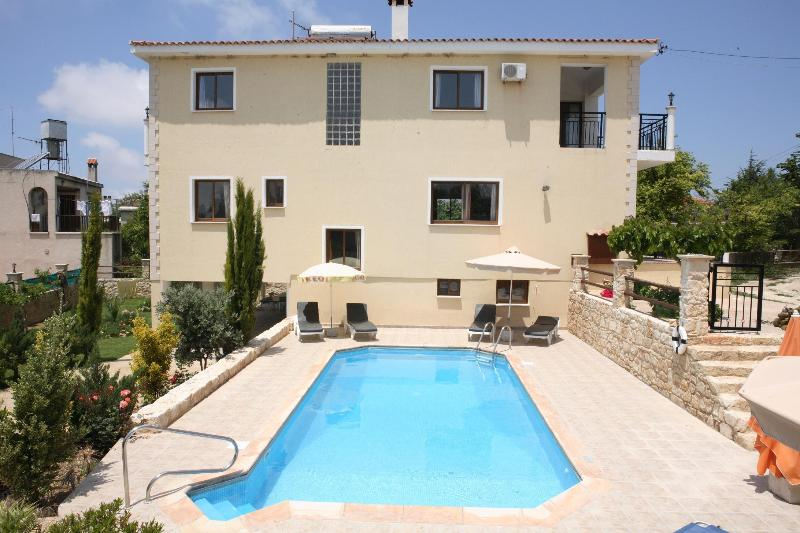 Villa Marina, holiday rental in Pano Arodes