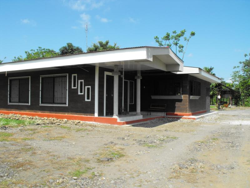 Casa Bosques Don Luis, holiday rental in Guapiles