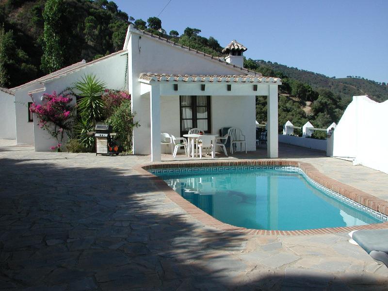 Villa Las Cerezas et la piscine