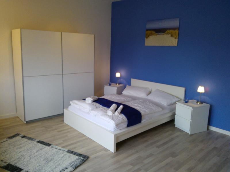 Living room double bed