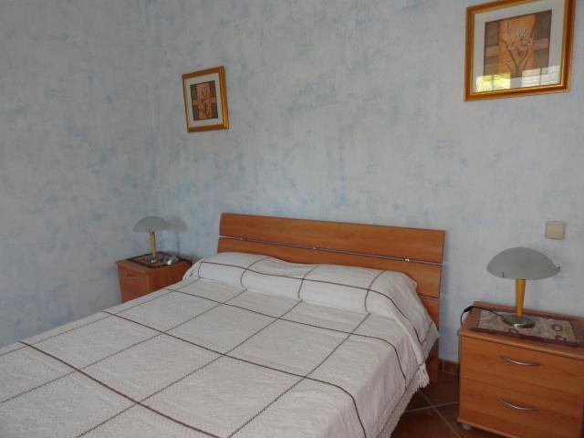 Begane grond slaapkamer met en-suite badkamer