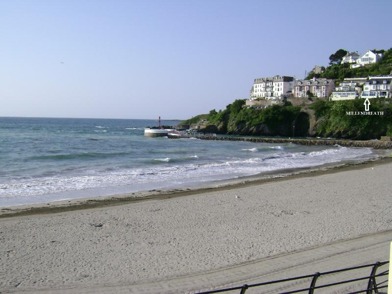 Millendreath Apartment is located overlooking East Looe beach and river