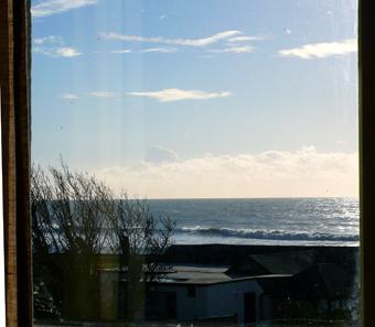 Vue depuis la fenêtre de la chambre baie