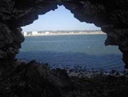 Sao Martinho,, go exploring walk up to the light house and down through the cave