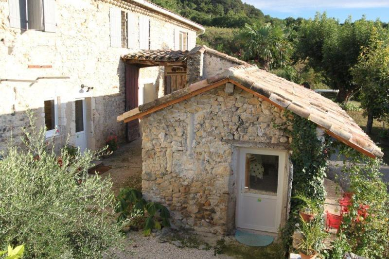 Chez Elise & Gabriel chambre d'hôtes aux Vergers de la Bouligaire, location de vacances à Drôme