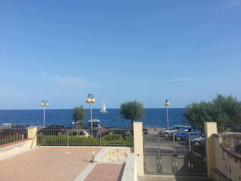 terrazza sul mare, holiday rental in Roccalumera