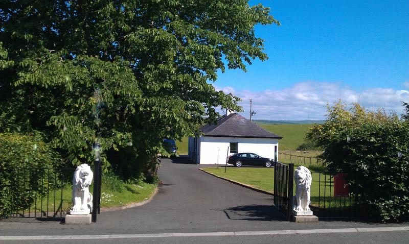 Alloway Cottage with spectacular views of the Ayrshire and Galloway Hills !