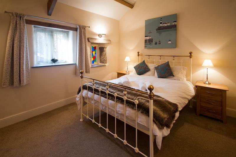 Dormitorio granero árbol tejo
