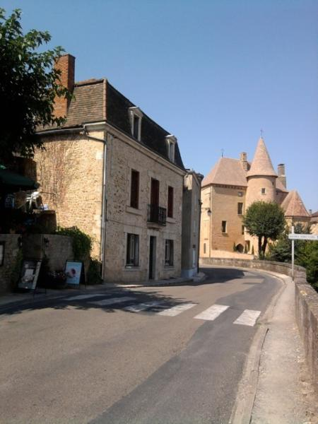 Maison Belves on left with Chateau Belves beyond