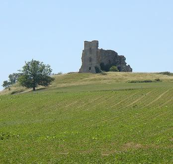The remains of an old chateau just outside Miradoux