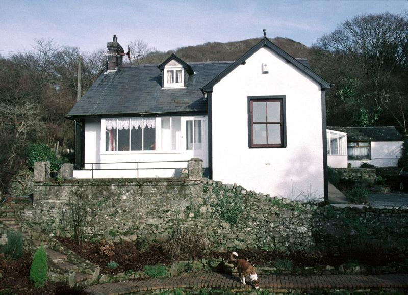 Bron y Graig, Secluded Holiday Cottage